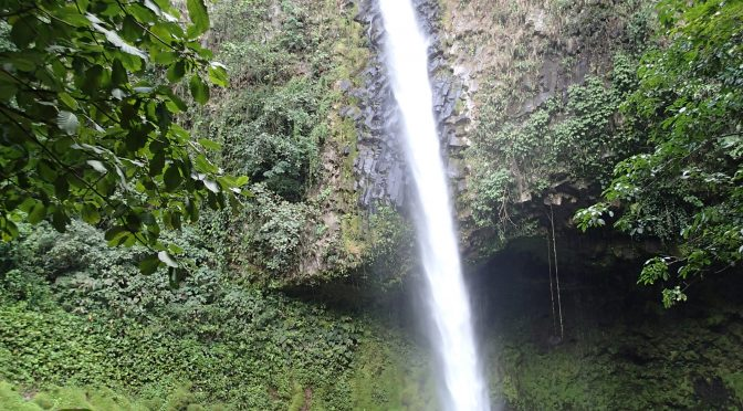 Proyecto Asis and La Fortuna Waterfall